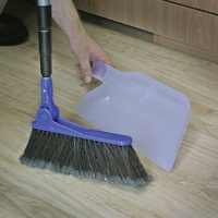 CAMCO ADJUSTABLE BROOM W/CLIP ON DUST PAN. 43623